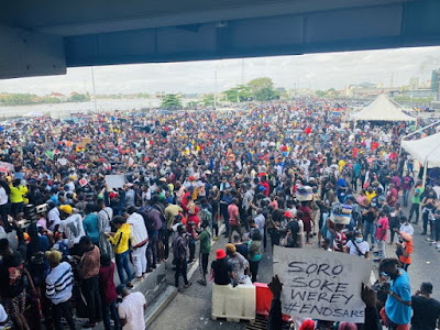 #EndSARS protesters shut down Third Mainland Bridge