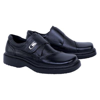 Sepatu Formal Pria Catenzo RI 095