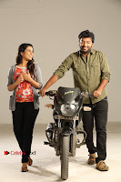Kalaiyarasan Satna us Starring Yeidhavan Movie Stills  0006.jpg