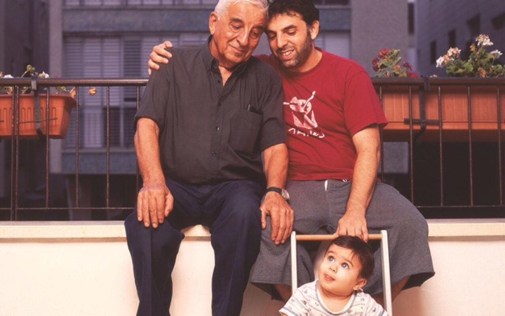 Etgar Keret cu fiul și tatăl său