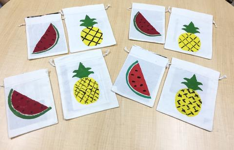 Painting Tropical Fruits on Fabric Bags with Seniors