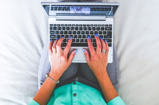 Cresting The Hill: 5 REASONS FOR BLOGGING