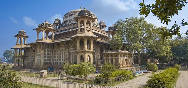 Gwalior Fort tourist places