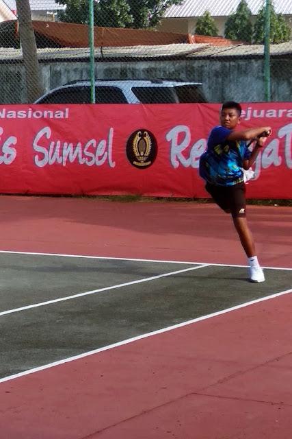 Arif Wisnu Hariyanto Melenggang ke Final RemajaTenis Sumsel-XXI