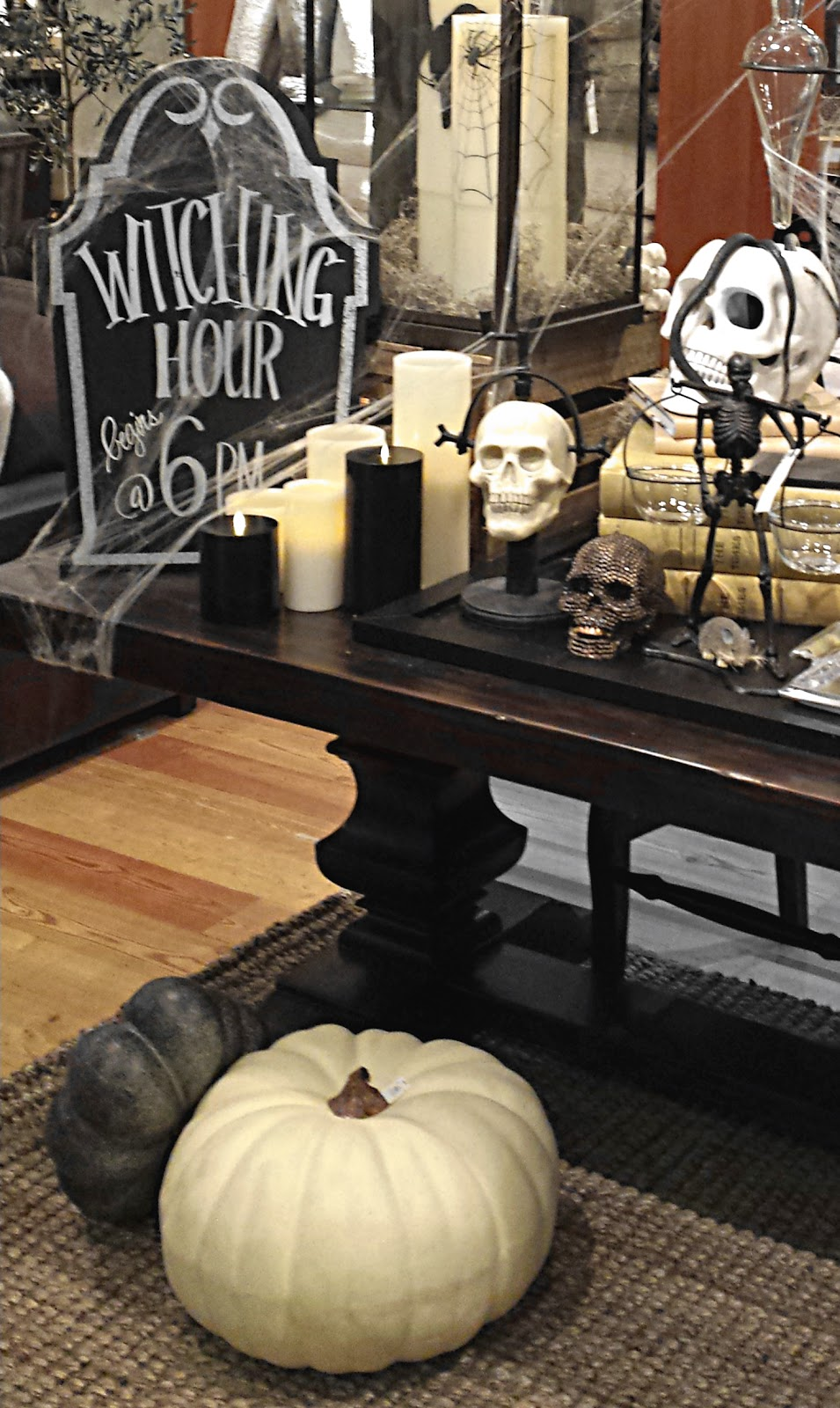 Ciao Newport Beach Spooky Halloween Decor
