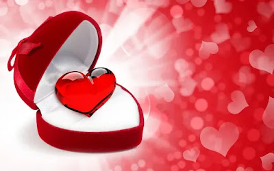 صور قلب احمر من علبة هدايا
