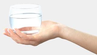 Sapete qual è il peso di un bicchiere d'acqua?