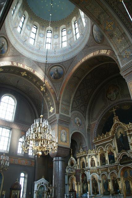 interiores-Catedral-Ortodoxa-de-Uspenki