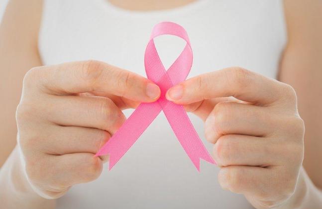 Gejala Kanker Payudara dan Jenis Pengobatan Sesuai Stadium
