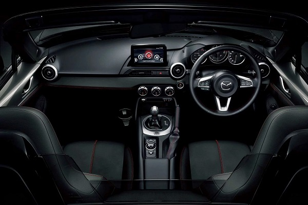 Interior Mazda Miata o MX-5 (2019)