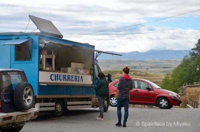 チュロスとホットチョコのフードトラック