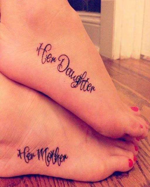 Tatuajes de madre e hija pie