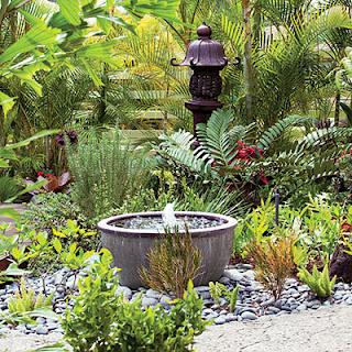 Đài phun nước mini trong vườn