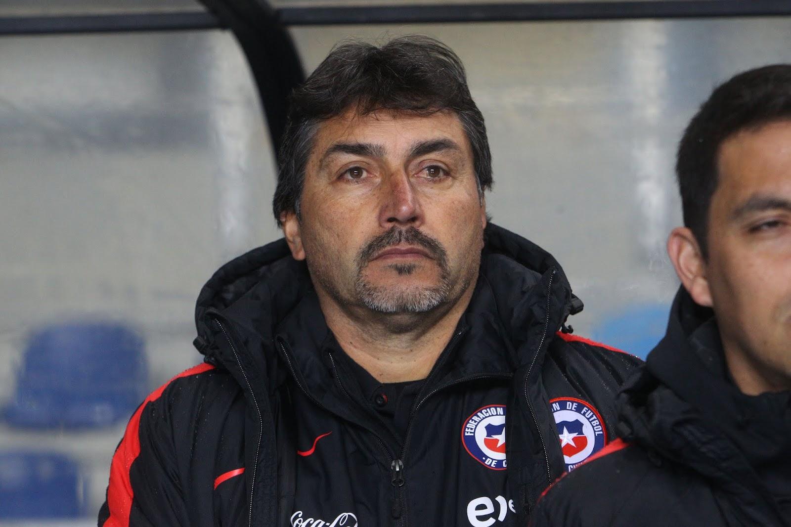 José Letelier, entrenador de selección femenina de fútbol de Chile