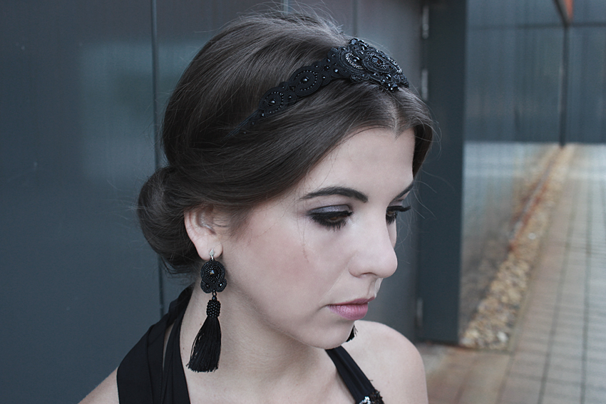 BLACK : MAXI DRESS, SOUTACHE HAIRBAND AND EARRINGS