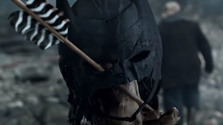 Arrow mostra mascara do Batman em novo trailer