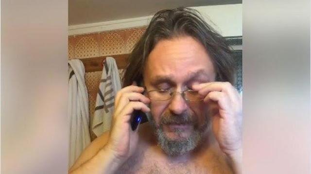 «Οι ξεβράκωτοι των Αθηνών»: Ο ηθοποιός Θανάσης Μιχαηλίδης τρολάρει τη ΝΔ για την αστυνομική καταστολή