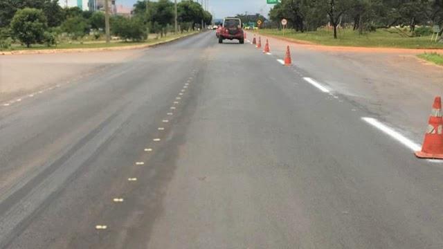 O GDF faz  a restauração de  1,4 km de pavimento asfáltico na  (DF-001)! Mais conforto e segurança no trecho Paranoá/Itapoã
