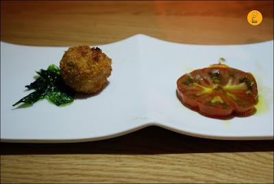 Croqueta de Boletus y tomate ibérico en La Vaca y la Huerta Madrid Restaurante Recoletos Barrio de Salamanca