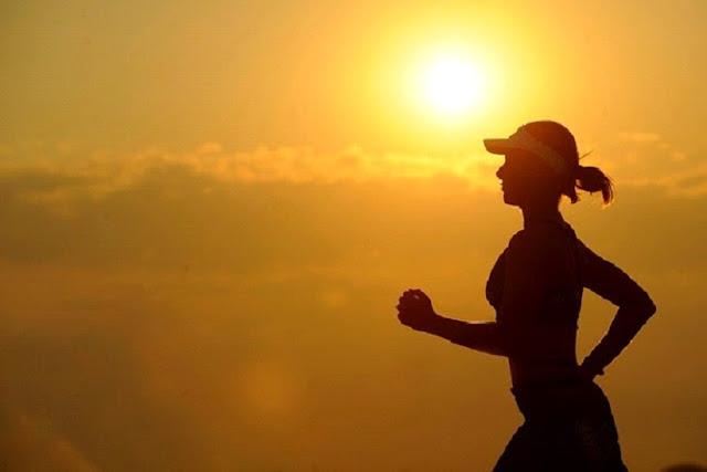Manfaat sehat dari Olahraga Pagi dengan berbagai gerakan tubuh