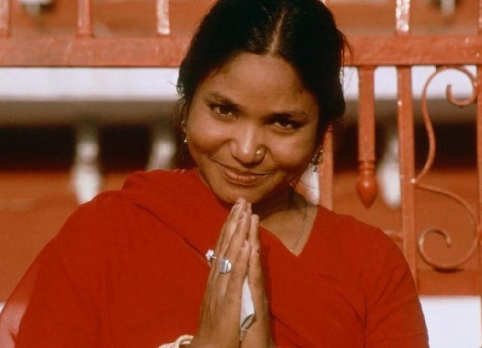 बैंडिट क्वीन: फूलन देवी का 11 साल की उम्र में 21 दिनो तक हुआ था गैंग रेप !!