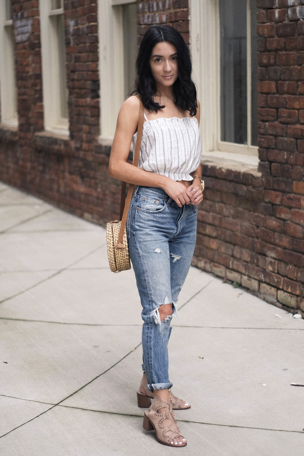 easy weekend outfit ideas | levis 501 outfit