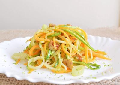 Espaguete de Legumes com Nozes (vegana)