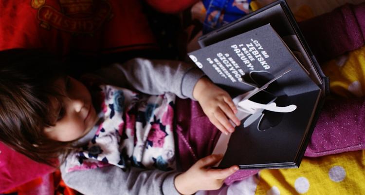 Zosia czyta