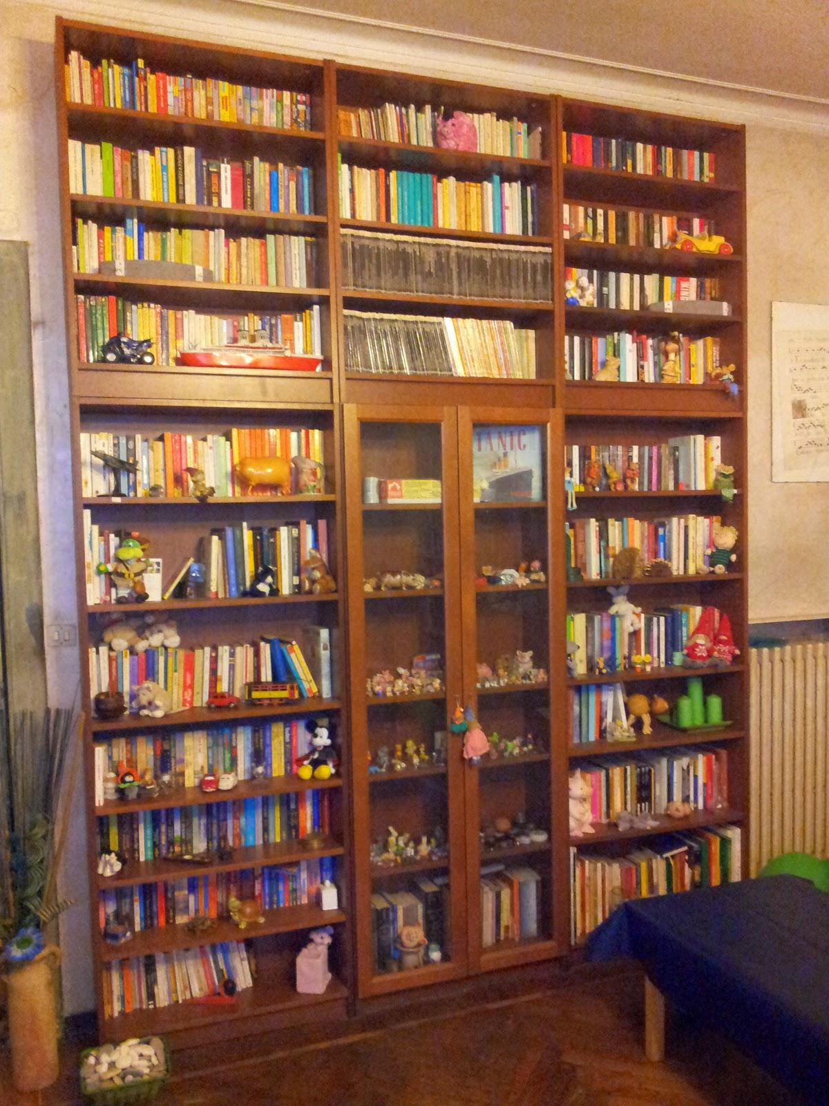 L 39 angolo del gilbertino comporre una libreria di 3 metri for Libreria angolare ikea