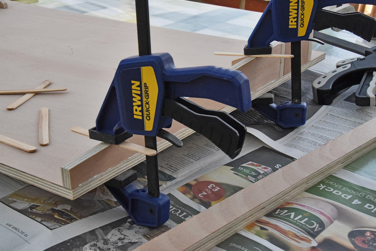 Work+surface+-+gluing+supports+%25281%2529.jpg