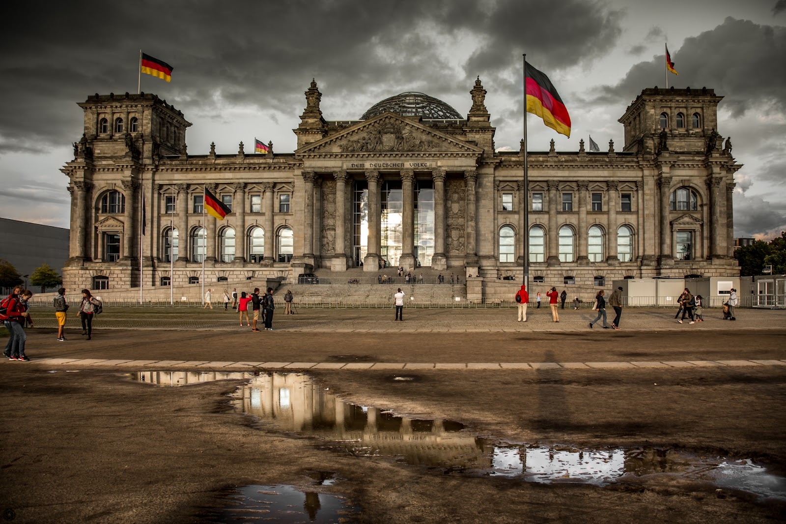 Reichstag 2014 :: Canon EOS5D MkIII | ISO100 | Canon24-105 @24mm | f/4.5 | 1/200s