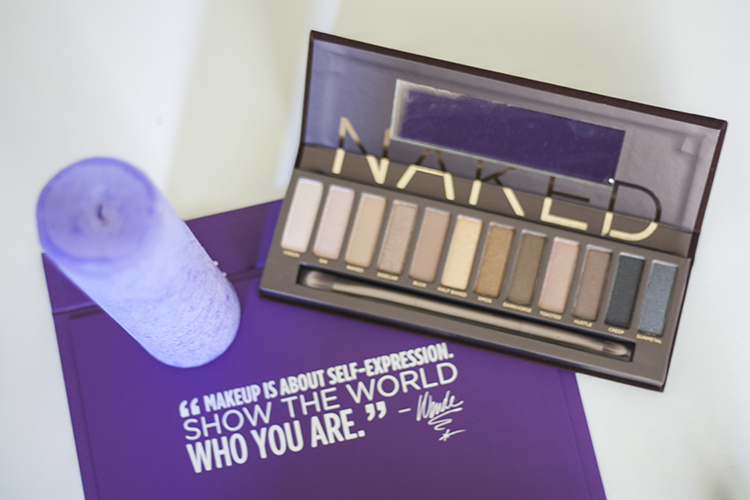 Urban Decay fall essentials make-up kit Naked eyeshadow palette