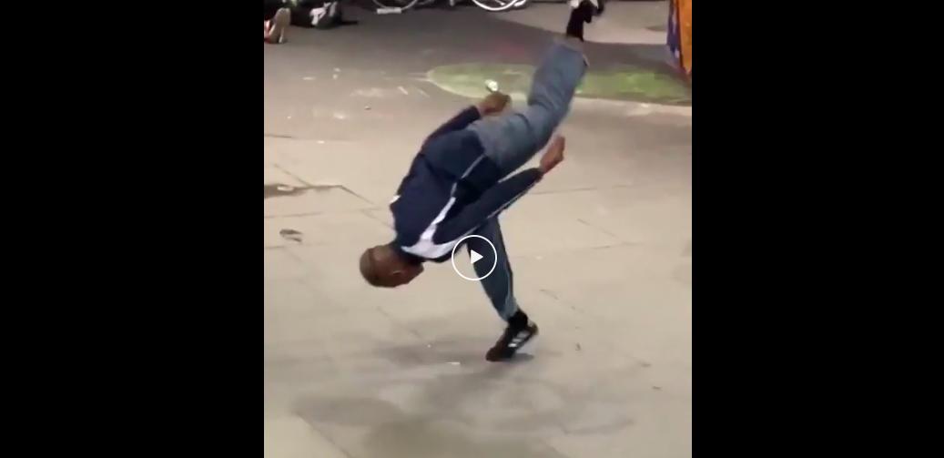 Na-kel Smith Roll Like Skateboard Fail | Typ legt sich hin und flipt wieder hoch