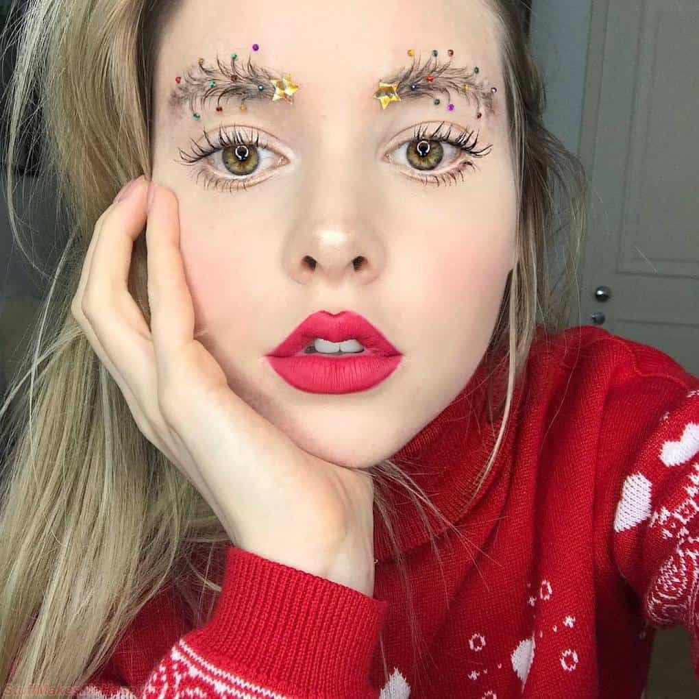 The Internet Captures A New Beauty Trend: Yes, You Will Not Believe It's A Brow-Tree for Christmas