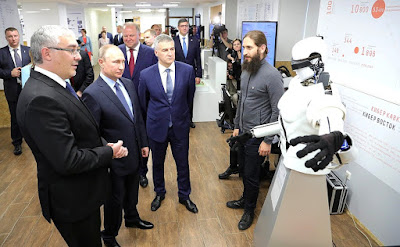 Vladimir Putin toured the exhibition of projects carried out with support from the Agency for Strategic Initiatives (ASI).
