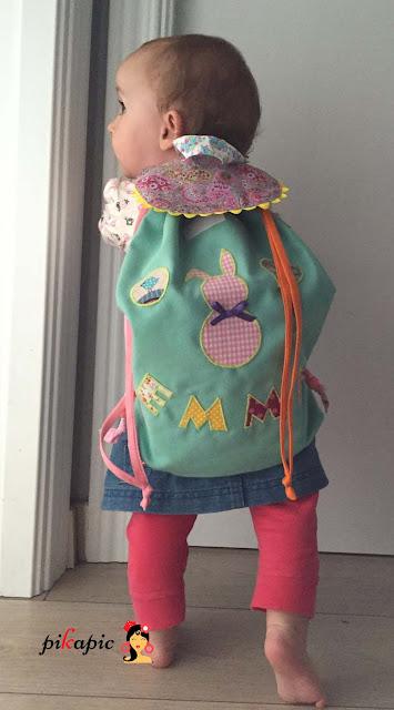 Emma con su mochila personalizada Pikapic
