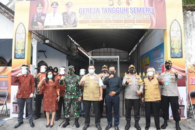 """Bupati Mojokerto Tinjau Tiga Tempat Ibadah Tangguh Wilayah Kecamatan Mojosari """"Upaya Beribadah Nyaman di Tengah Pandemi"""""""