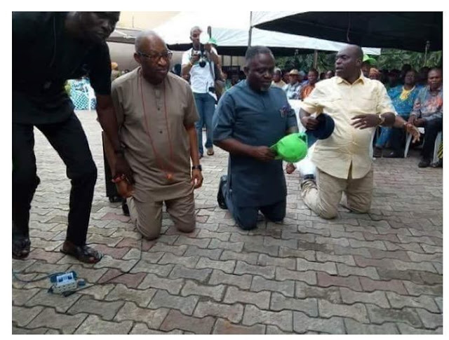 PHOTO/VIDEO: Was Patrick Obahiagbon begging APC members to vote for him, ? as he was seen kneeling down