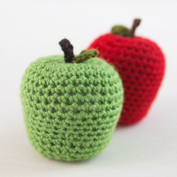 Crochet apple pattern