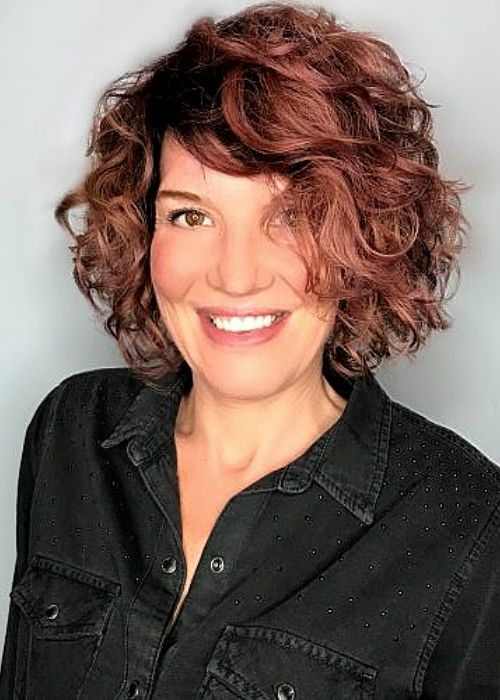 Flattering Hairstyles for Oval Face - Curly Side-Swept Bob Hairstyle