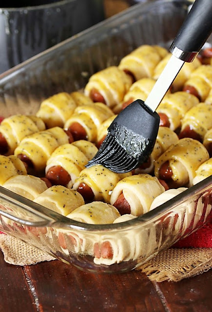 How to Make Glazed Pigs In a Blanket Image