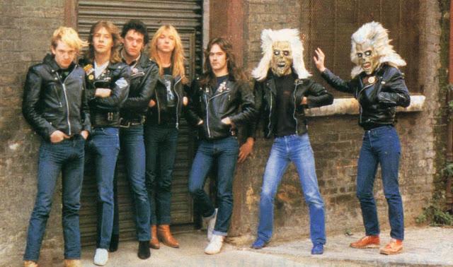 Vídeo raro do Iron Maiden mostra futebol pré-show em 1981