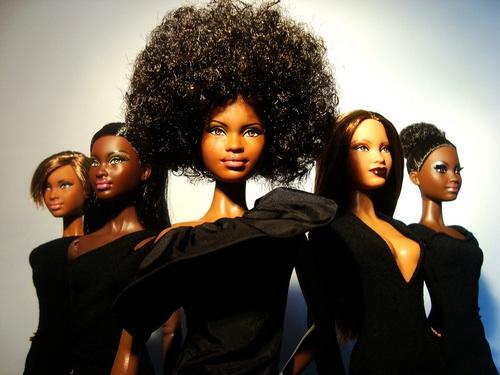 Poupées noires, poupées crépues : pour en finir avec l'effet Tina