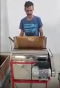 Αυτό είναι το Ημιαυτόματο απολεπιστικό κηρηθρών της ΜΕΛΙΣΣΟΚΟΜΙΚΗΣ ΑΘΗΝΩΝ που εχει προκαλέσει φρενίτιδα παραγγελειών από τους Έλληνες μελισσοκόμους video