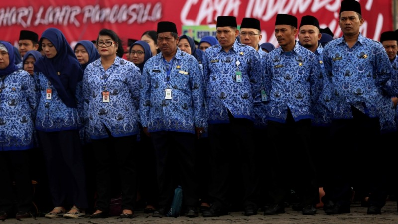 PNS Pemprov DKI mengikuti Upacara Hari Kelahiran Pancasila di Monas