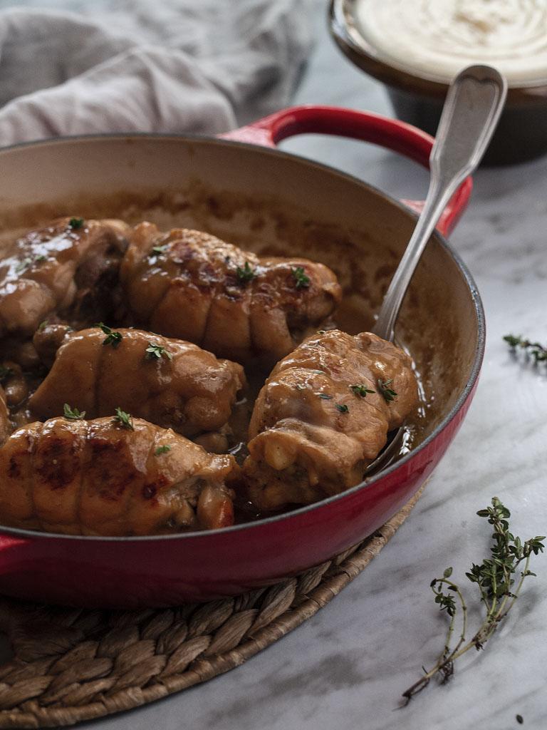 contramuslos-de-pollo-en-salsa-de-ajo