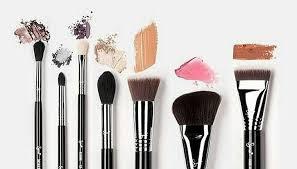 كورسات ماكياج تدريبات التجميل و التصفيف