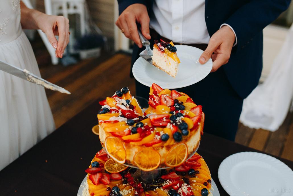 biezpiena kāzu torte