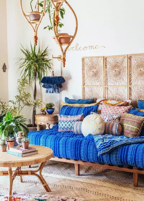 Boho Living Room Ideas With Feature Collected Items