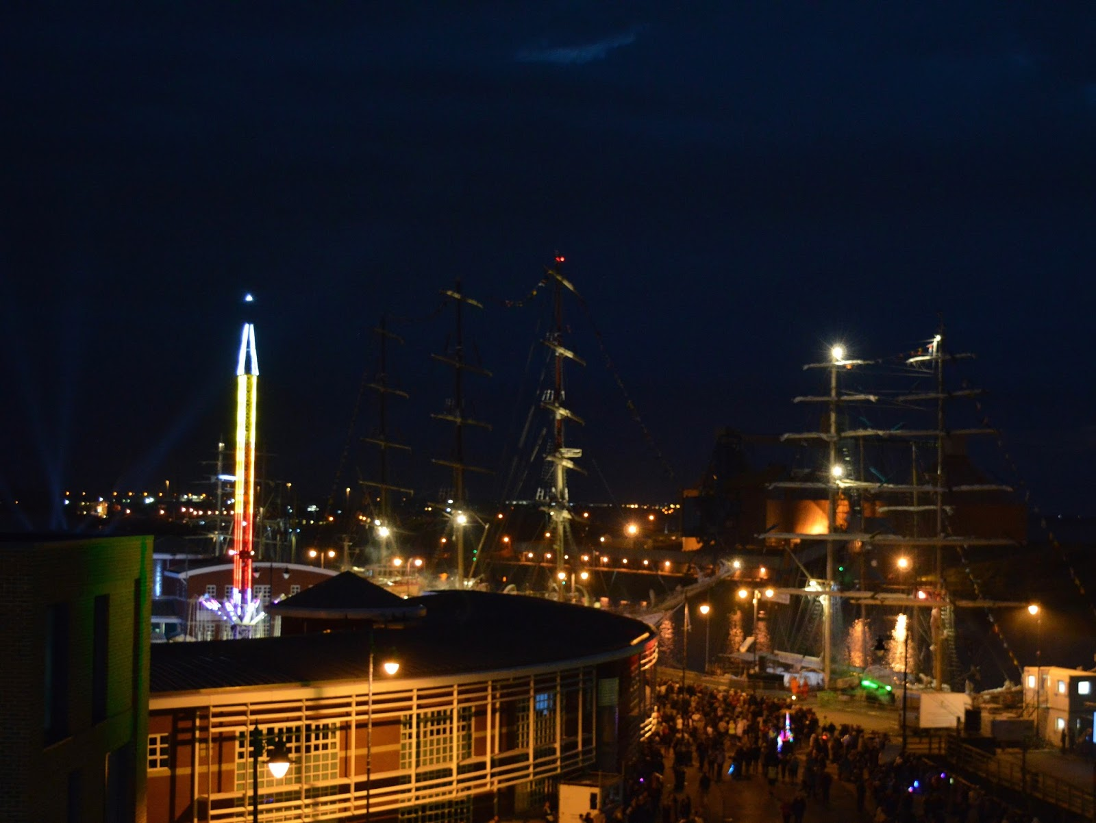 Tall Ships Regatta | Blyth 2016 | Commissioners Quay Inn - Quayside fireworks from roof top